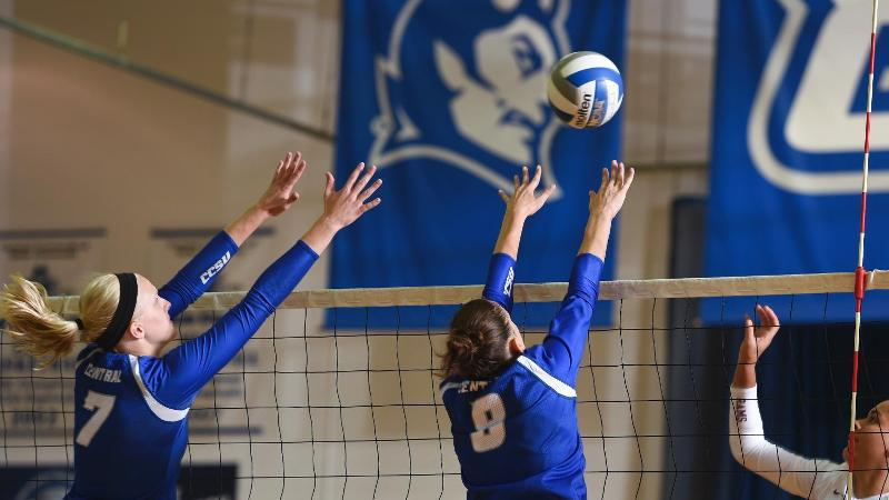Volleyball Stays Unbeaten in NEC Play, Downs FDU, 3-1