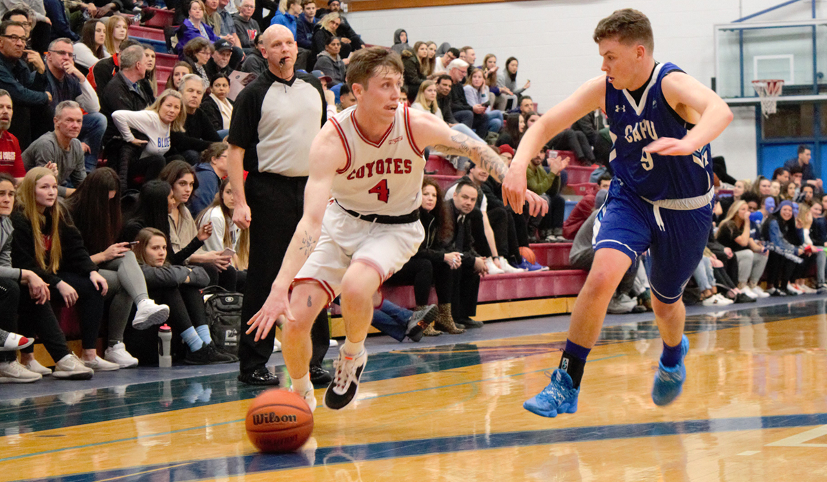 'Yotes Sink Blues In PACWEST Q-Finals