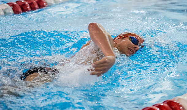 Men's Swimming and Diving Competes at Gompei Invitational