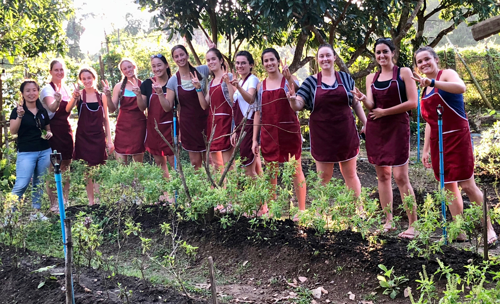 Women's Tennis Enjoys Thai Cooking Class on Day Eight of Thailand Trip