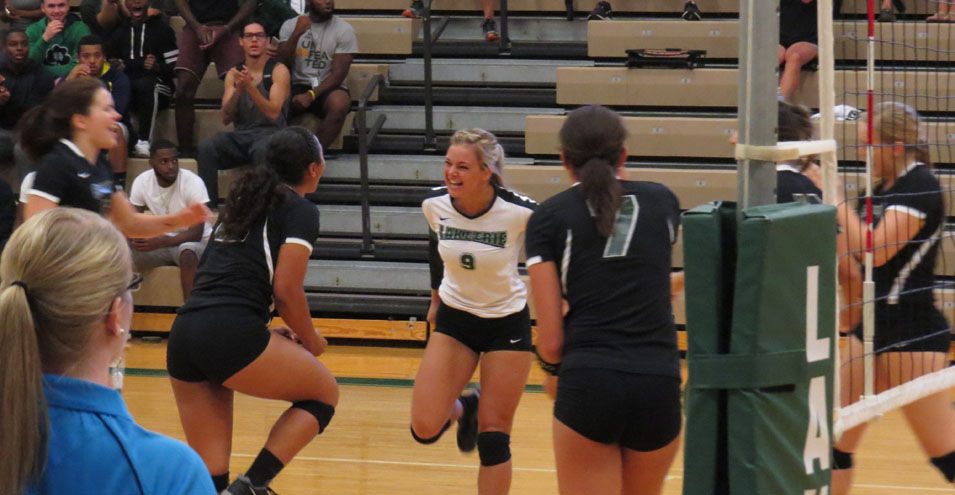 Volleyball Sweeps Panthers in Great Midwest Match
