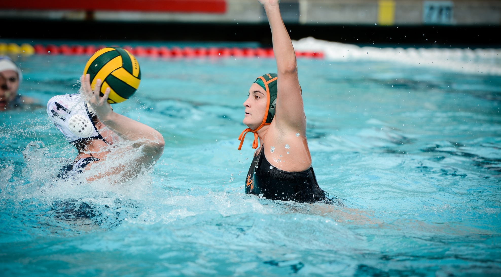 Women's Water polo tops Toronto 11-5