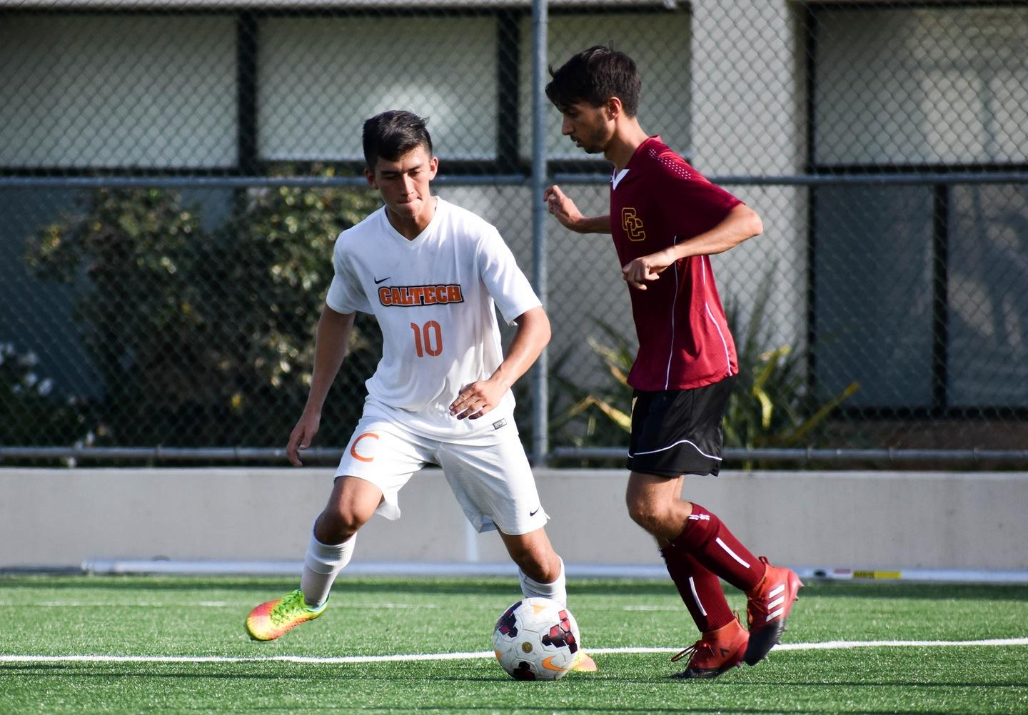 Men's Soccer Comes Up Short to CMS in Extra-Time Thriller