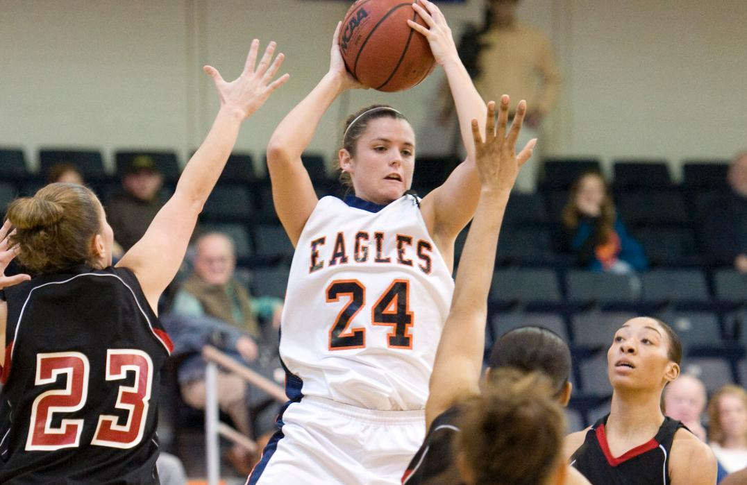 Mendenhall reaches 1,000 career points in Lady Eagles' 84-77 loss at Mars Hill