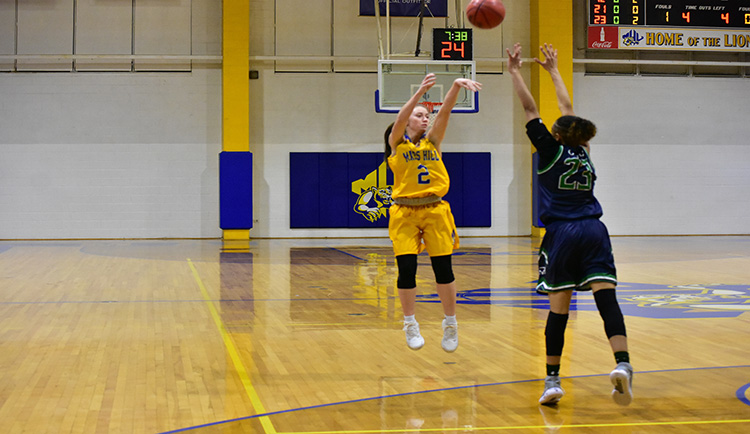 Boggs scores 26 in contest with Crusaders