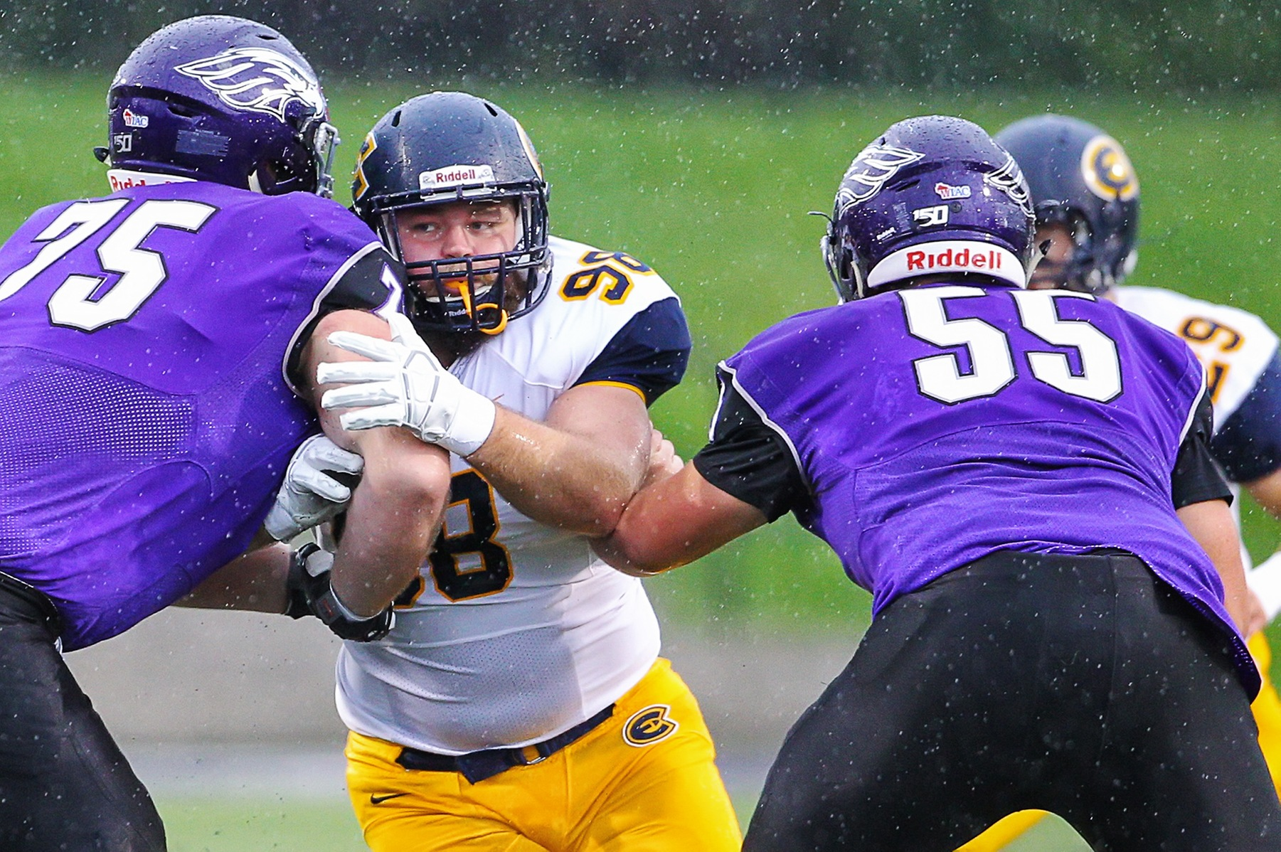 Blugolds fall on the road to No. 3 Whitewater, 24-14