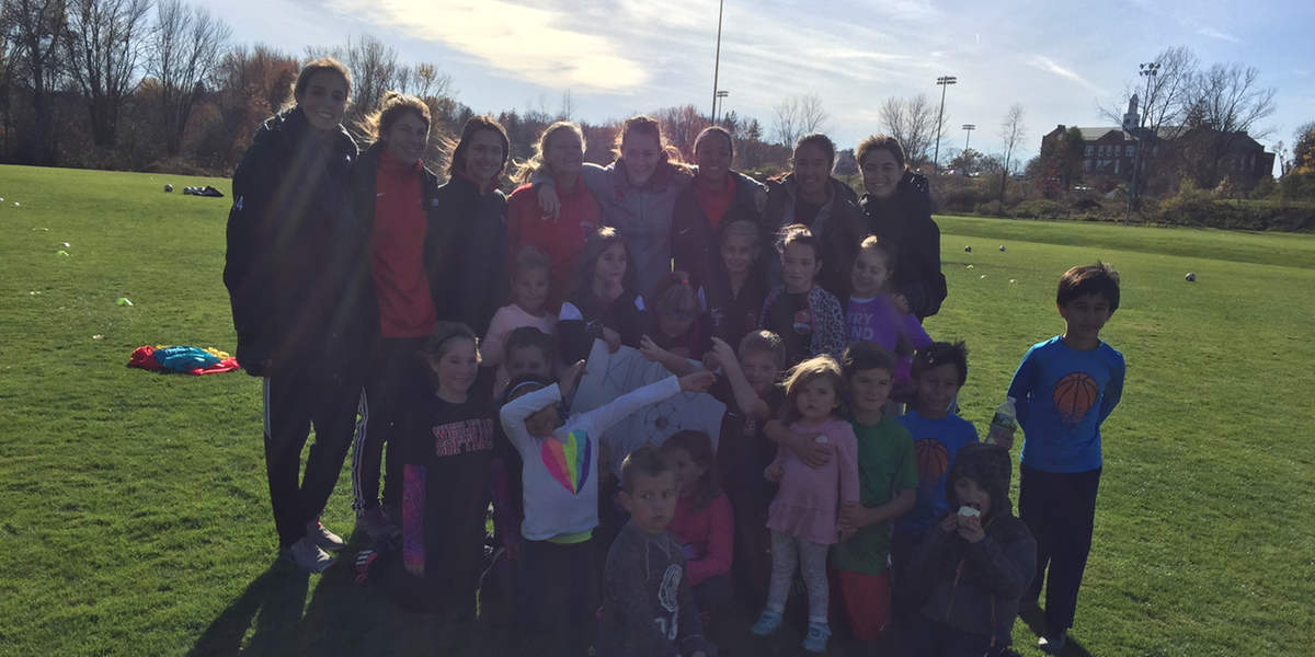 Women's Soccer Gives Back to the Community