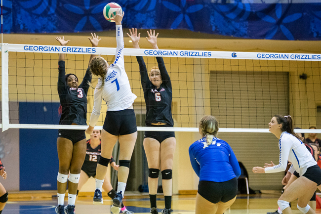 WOMEN'S VOLLEYBALL WIN TIGHT BATTLE WITH STING