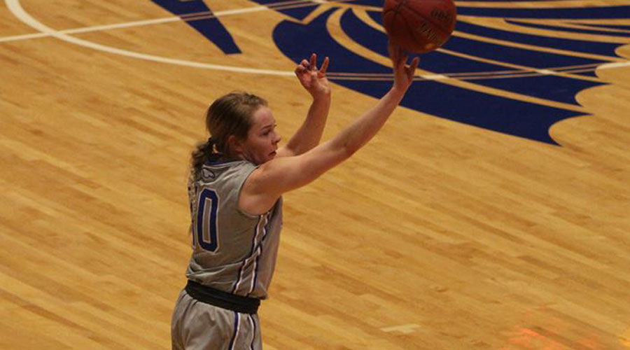 Sara Cramer hit 3 big 3-pointers to lead the No. 17 Blue Dragon women to a 62-43 victory over Coffeyville on Saturday at Coffeyville. (Joel Powers/Blue Dragon Sports Information)