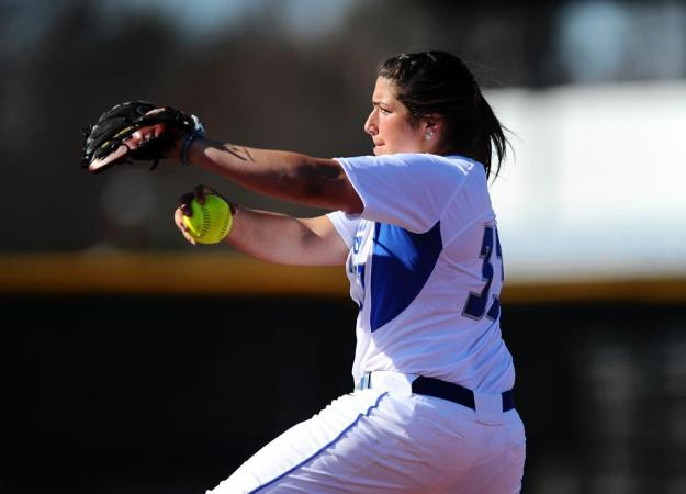Softball Splits Doubleheader with QU