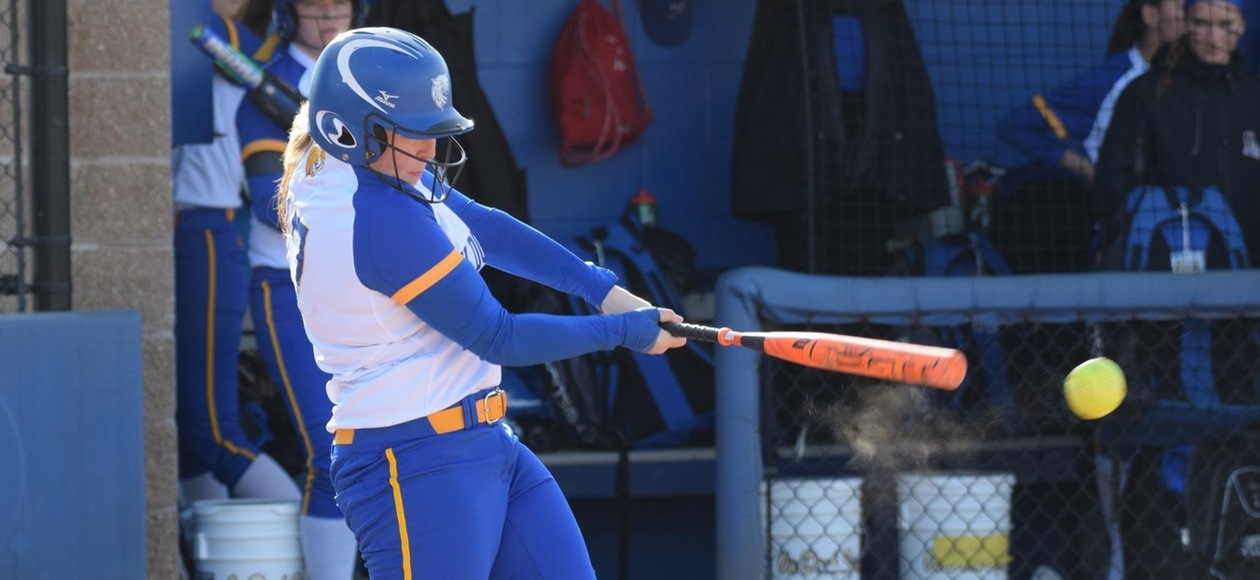 JWU Softball Scores 22 Runs in Doubleheader Sweep at Rivier