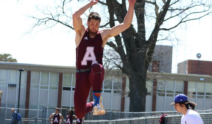 Four Scots Set New Personal Bests at North Central Gregory Invitational