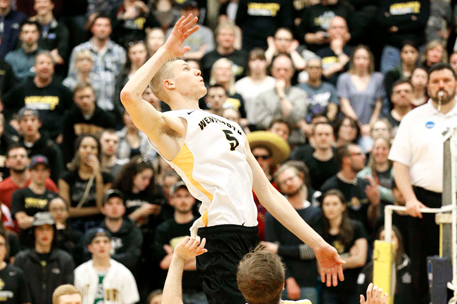 Men's Volleyball Powers Past Rivier
