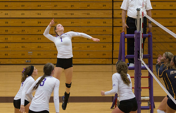 Women's volleyball drops 3-1 affair with Middlebury during first meeting since 2011