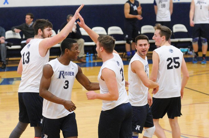 Men's Volleyball: Raiders run streak to 15 sets; sweep Mount Ida