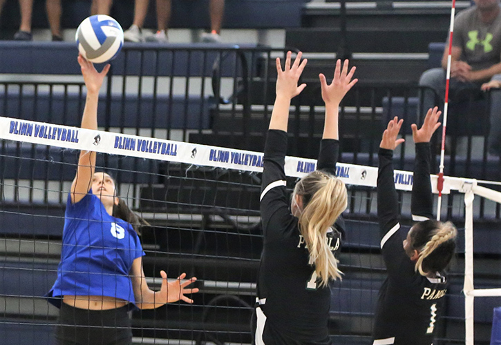Blinn Volleyball Takes Conference Lead With Sweep Of Panola