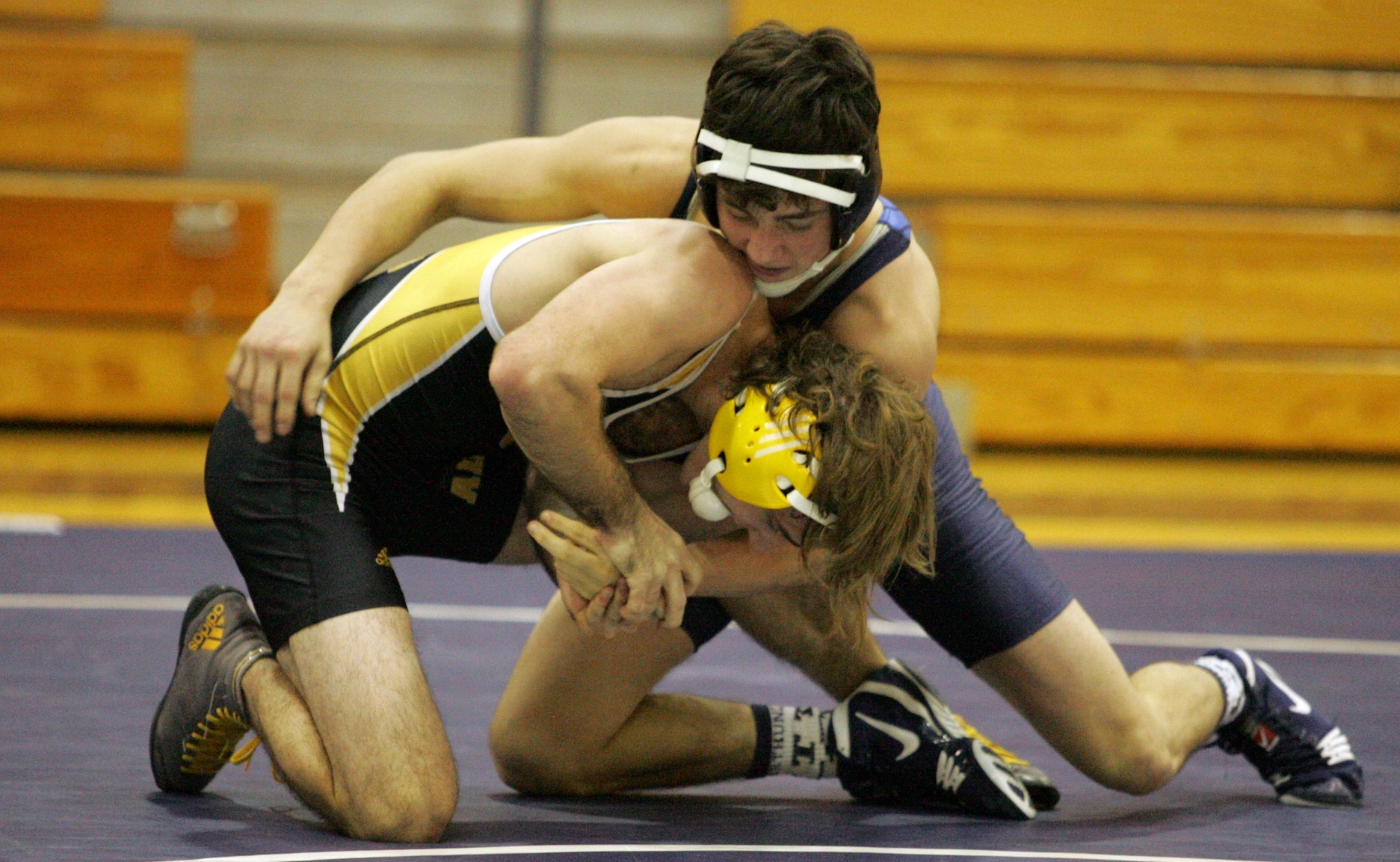 Wrestling Finishes with Two Victories at Thunder Duals