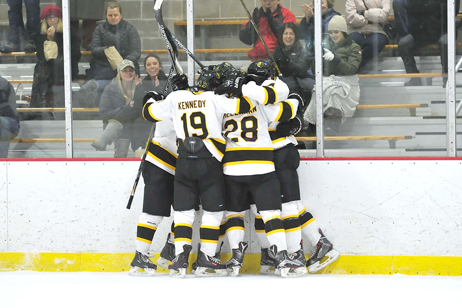 Hockey Holds Off Late Becker Charge to Pick up Crucial Win
