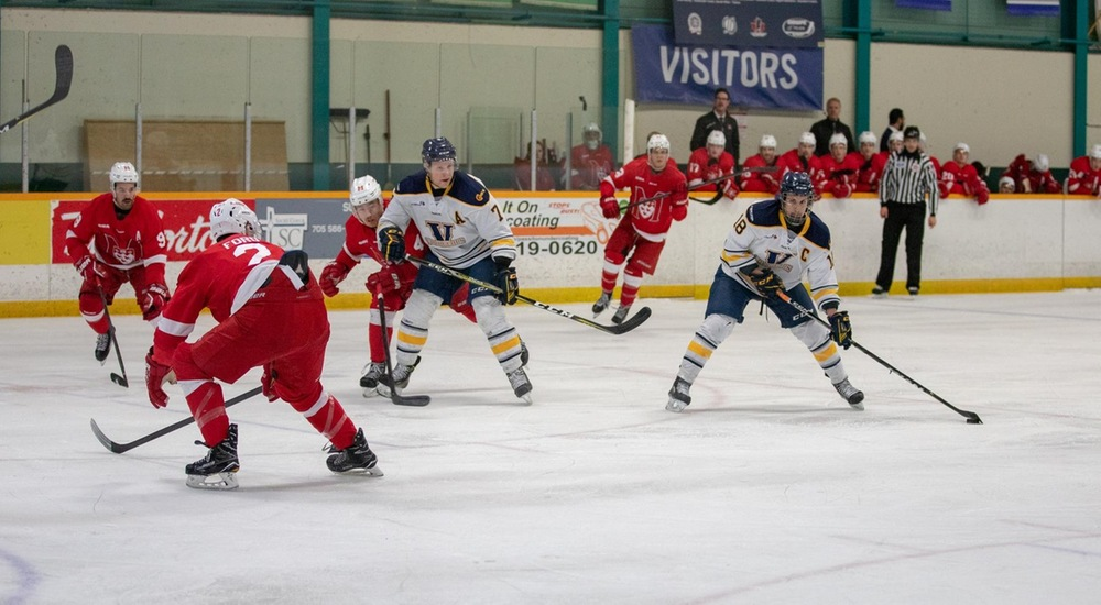 MHKY | Late Major Penalty Sees Voyageurs Fall to Ridgebacks