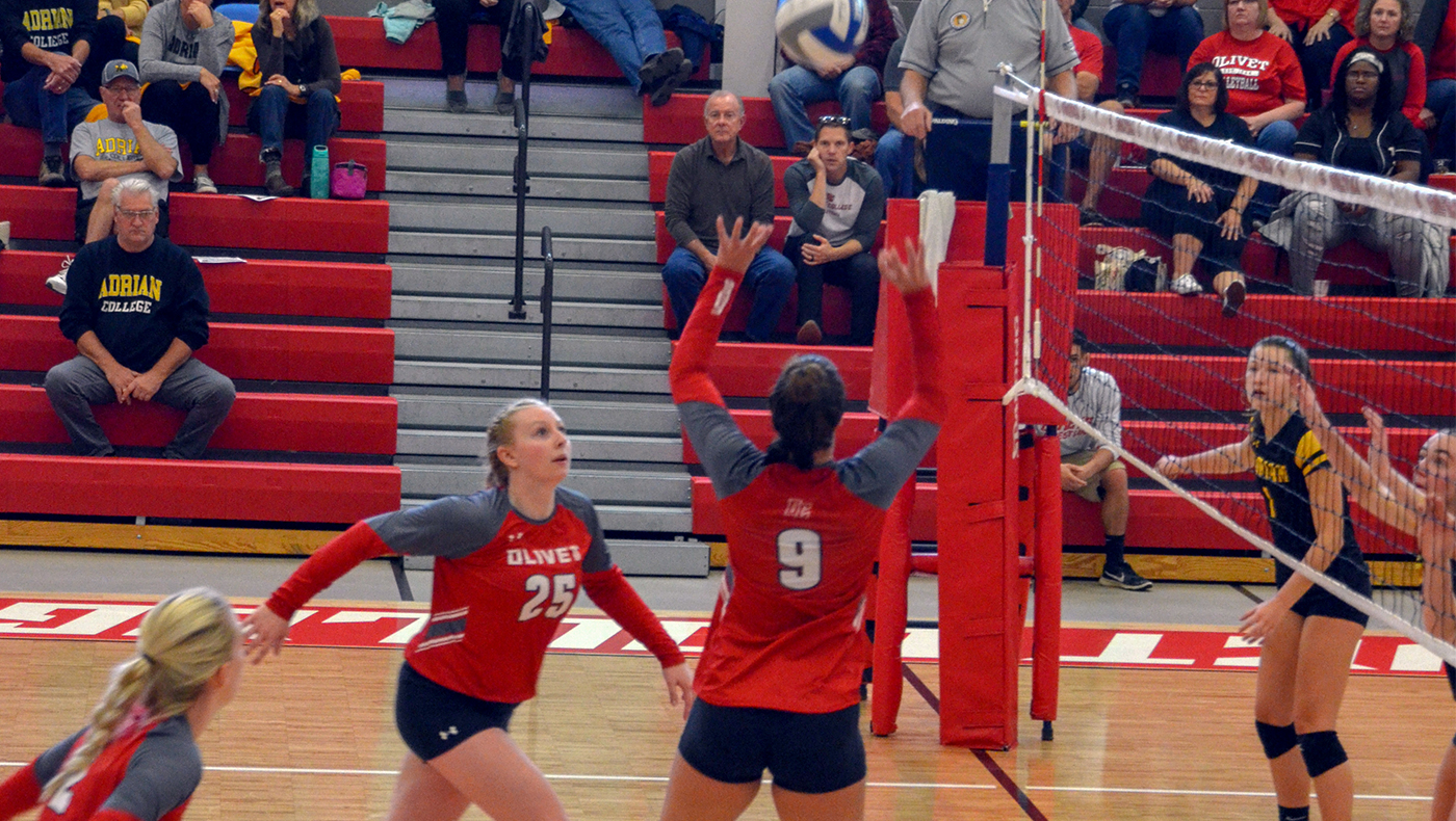 Women's volleyball team defeats Adrian in four sets