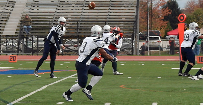 Greyhounds Run Past Bullets 34 14 Moravian College