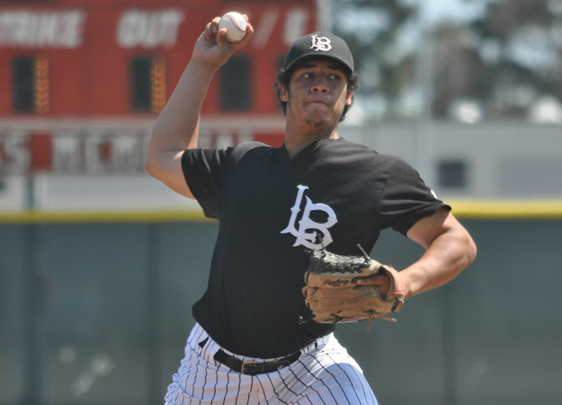 Baseball: Gallardo tosses 10-inning no-hitter with 17 strikeouts vs. Compton
