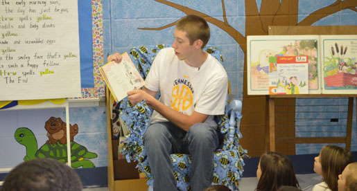 Parkview Elementary marks second volunteer stop for men's basketball team