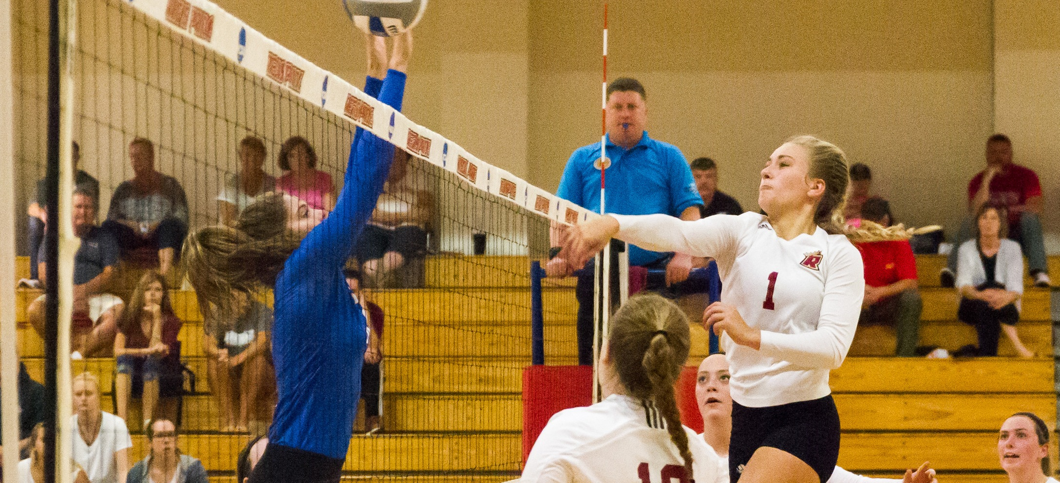 Women's Volleyball Swept At No.16 Johnson & Wales (RI)