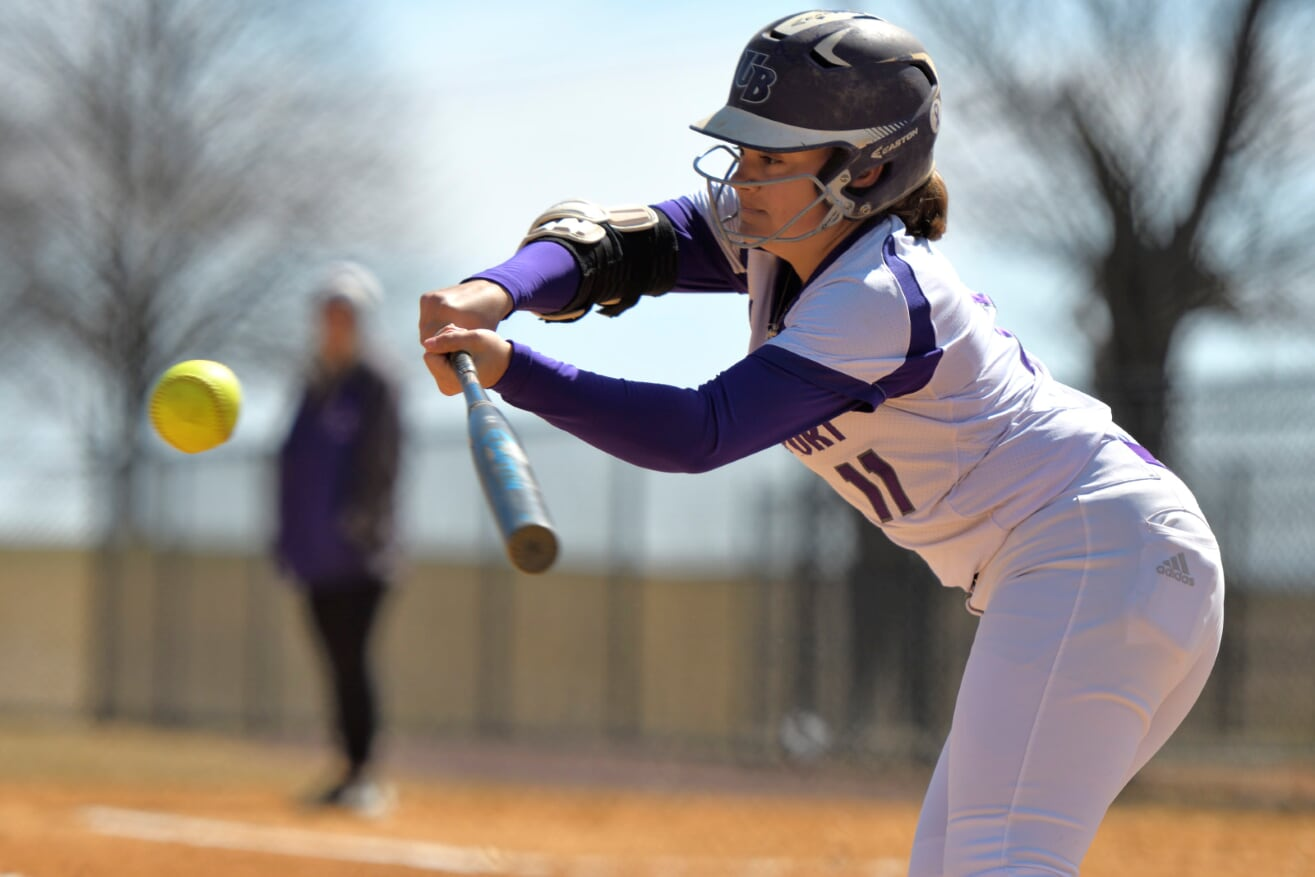 Softball Moves To 17-3 Overall And 4-0 In Conference Play With Home Sweep Over Queens (N.Y.) College