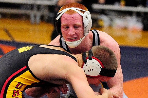 O'Boyle opens match with pin
