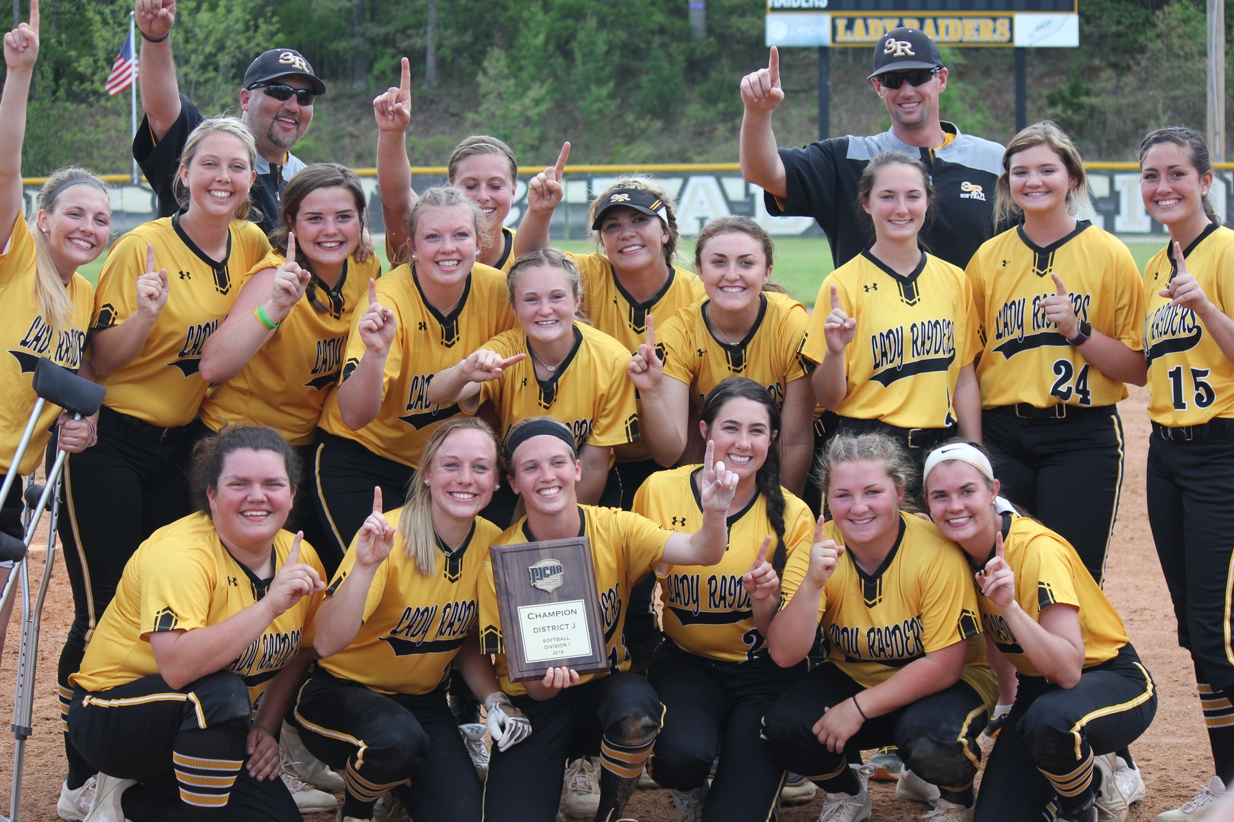 Lady Raiders stun No. 14 Indian Hills in district playoff to reach first NJCAA World Series