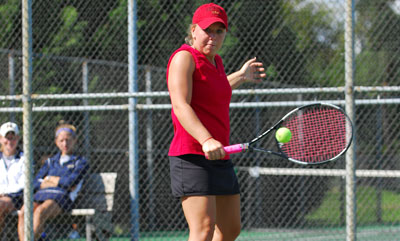 Women's Tennis Finish Season Strong