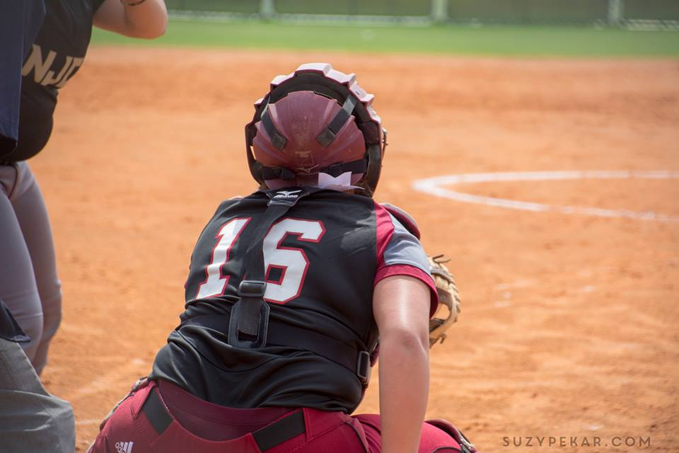 Falcons Sweep 'Cats in Weekday Conference Doubleheader
