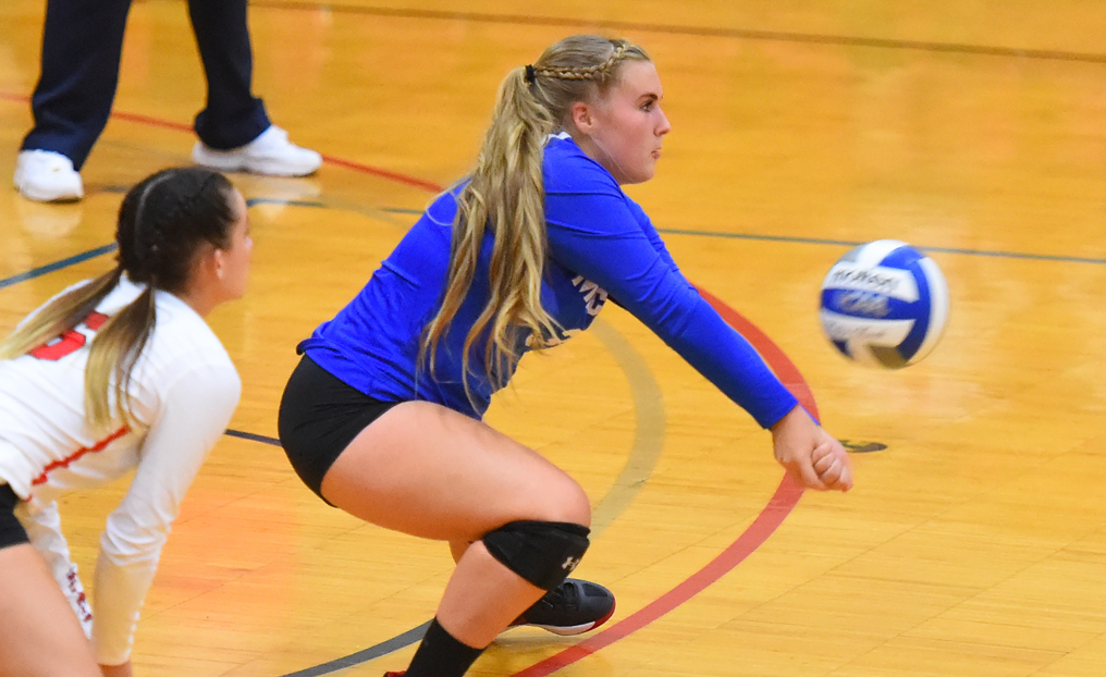 Volleyball Shut Out at Trinity