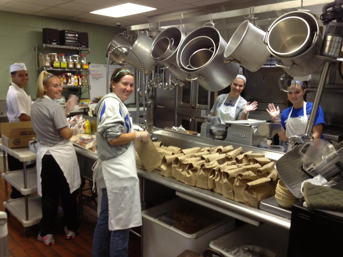 SUNYIT Athletes Volunteer At Rescue Mission Food Kitchen