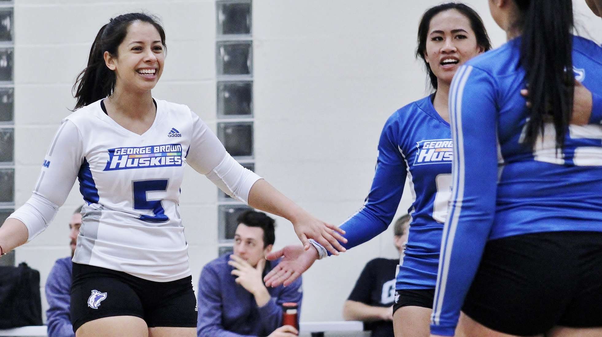 WOMEN'S VOLLEYBALL INCH CLOSER TO CLINCHING PLAYOFF SPOT WITH BIGGEST WIN OF SEASON