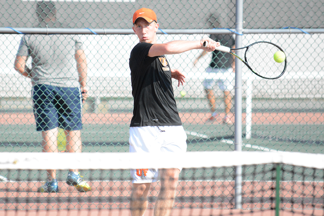 Oilers Win First Match of Spring Break