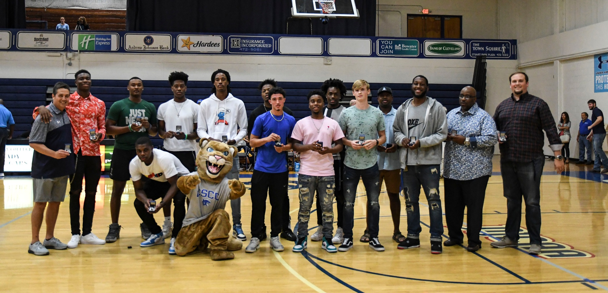 Men's Basketball Distributes Championship Rings In Special Ceremony