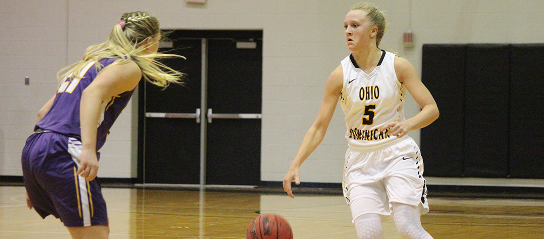 Women's Basketball Hits Century Mark In Win Over Parkside