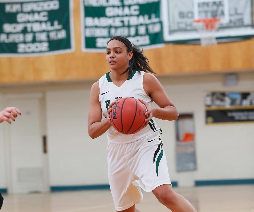 Lady Gators Escape With Thrilling Victory on Senior Night
