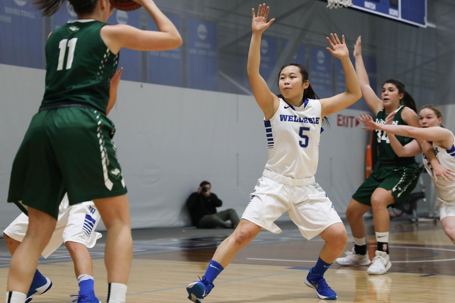 Senior Kayla Jang chipped in with six points in the setback (Miranda Yang).