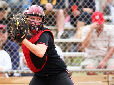 Cardinals drop two against Yellow Jackets