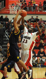 Greg Truvillion Named NAIA Division I Men's Basketball Player of the Week