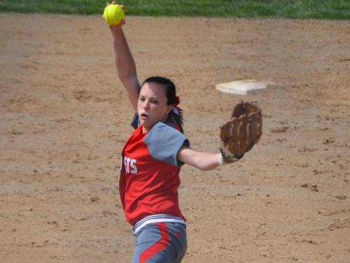 Softball team ends season with doubleheader split at Defiance