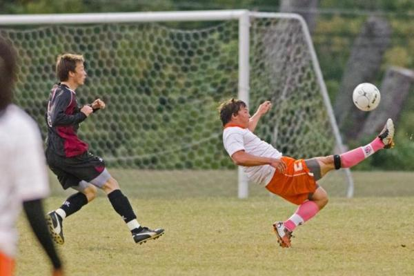 Eagles control second half to upend L-R, 2-1