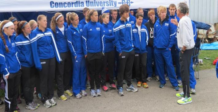 Frank Shorter speaks with Cross Country teams