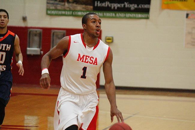 Khari Holloway was Mesa's only double-figure scorer with 18 points (Photo by Jacob Dewald)