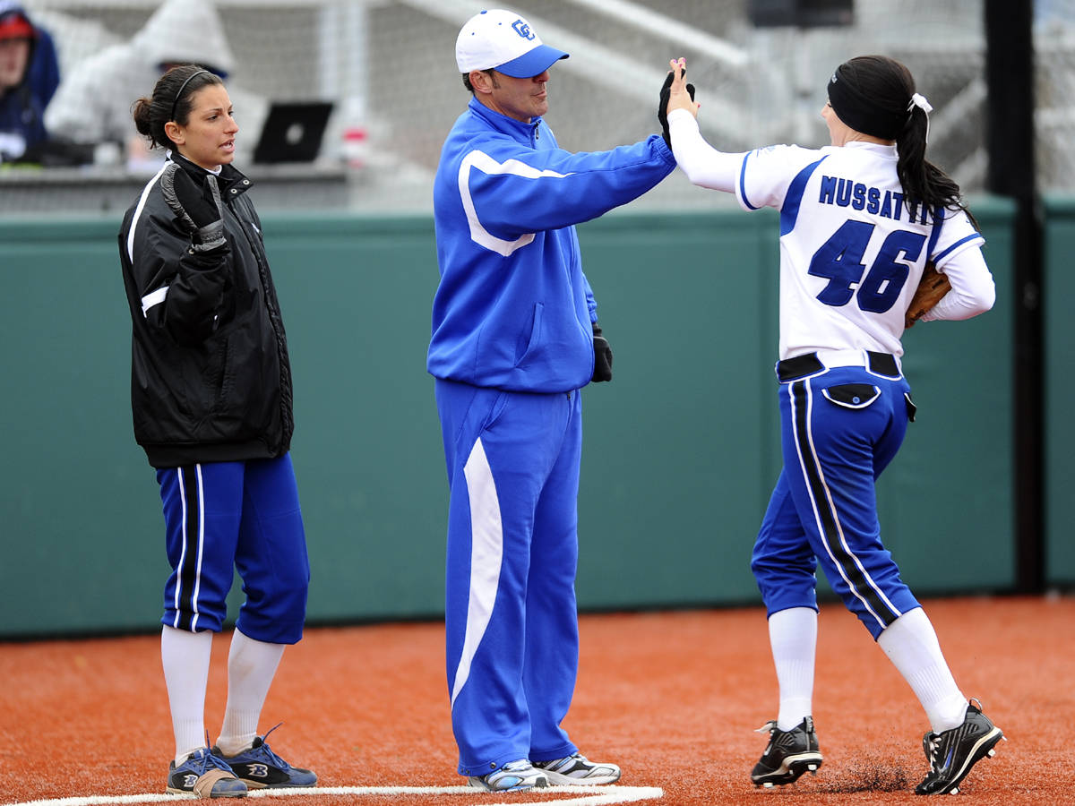 Softball Announces Tryouts for 2011 Season