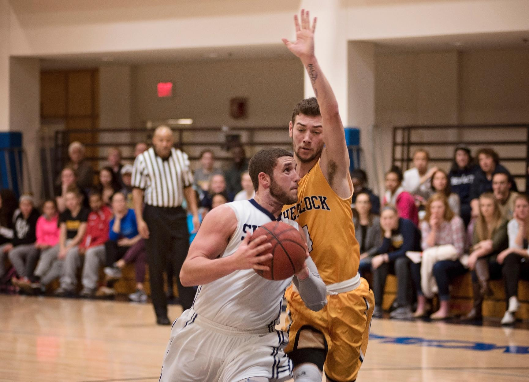 Chick Paces Men's Basketball in 58-53 Victory Over SJC