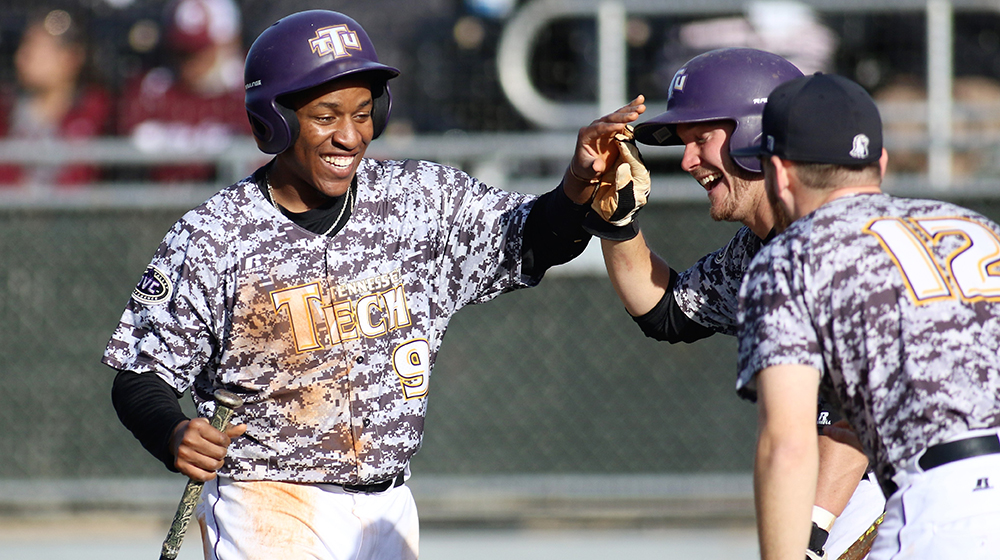 Tech splits doubleheader with Little Rock, claims series with massive 17-7 win